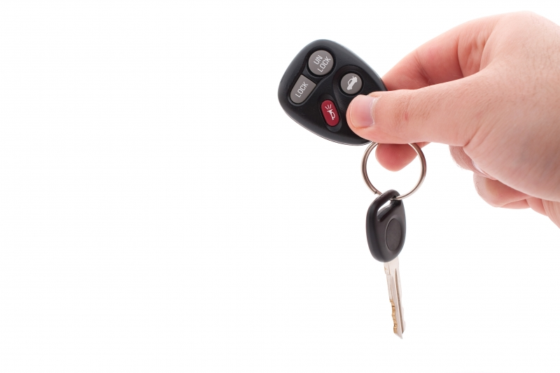 1163946-car-keys-and-remote